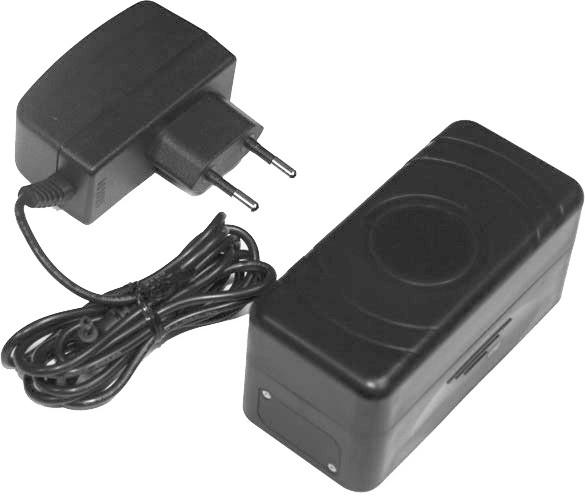 GPS трекер M7 с магнитным креплением и длительной работой от аккумулятора