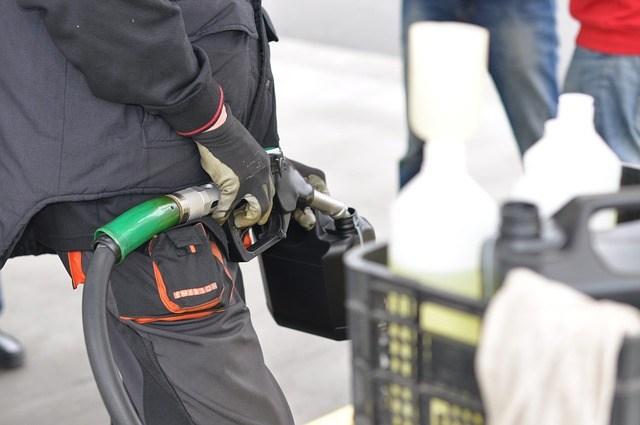 Работодатель установил на автомобиль датчик учета топлива